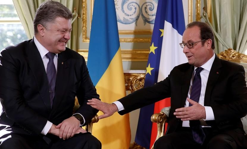 Порошенко в Париже «слил» Донбасс и предал «Небесную сотню», - Семенченко