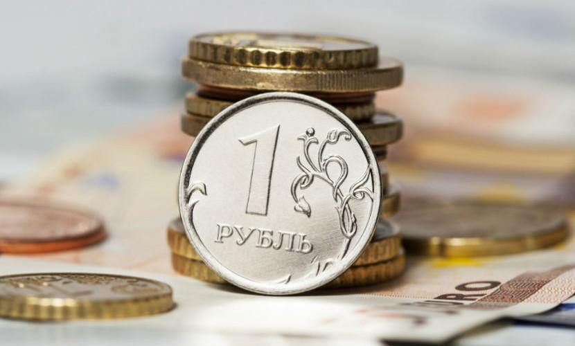Россияне предпочитают хранить деньги в рублях