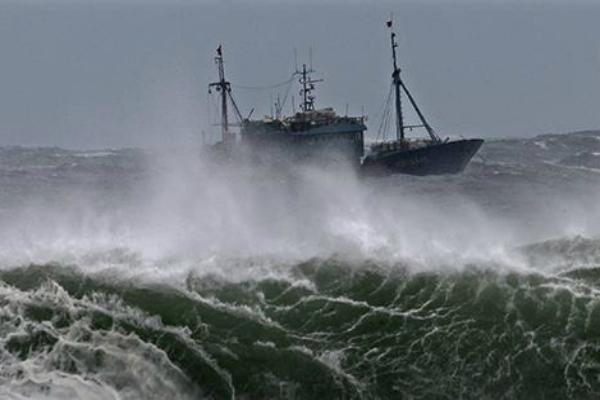 Более 120 филиппинских рыбаков исчезли из-за тайфуна Мучжигэ