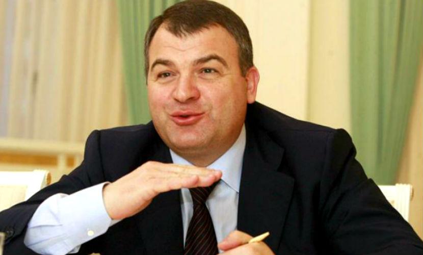 Закрыто последнее уголовное дело с Сердюковым