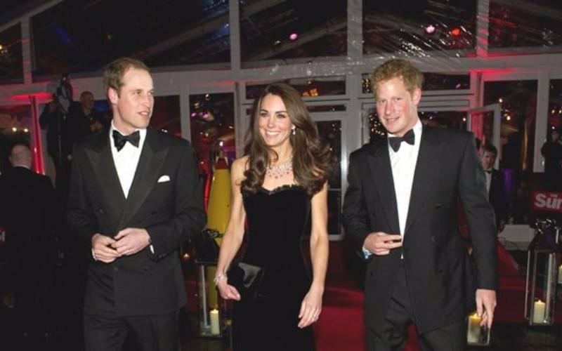 Британские королевские особы за три часа прибыли на премьеру фильма