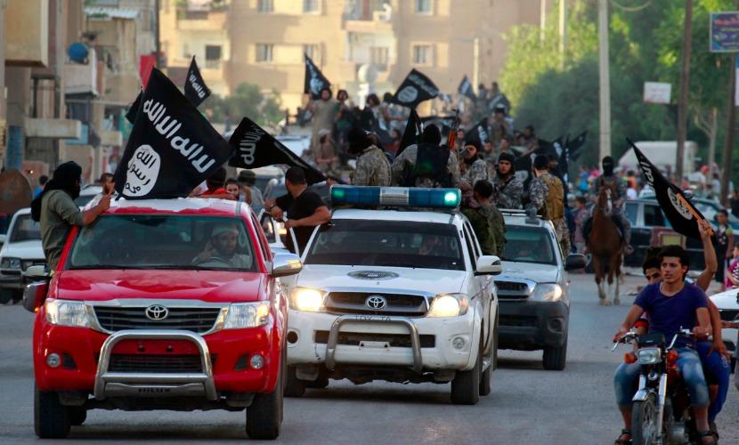 Машины марки Toyota боевикам ИГ поставляют США и Британия, - Захарова