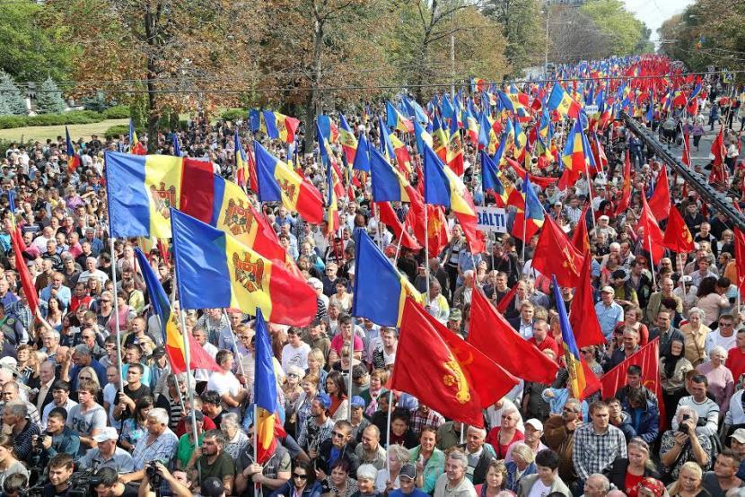 Молдаване разочаровались в проевропейских партиях и захотели сближения с Россией