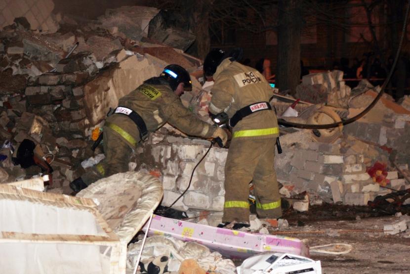 В Перми под завалами дома ищут пострадавших