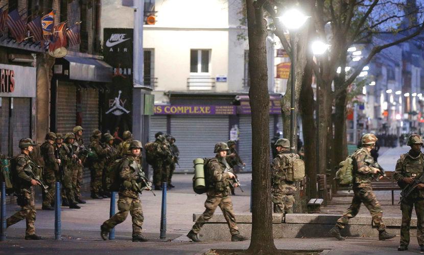 Смертница взорвала себя во время спецоперации в пригороде Парижа