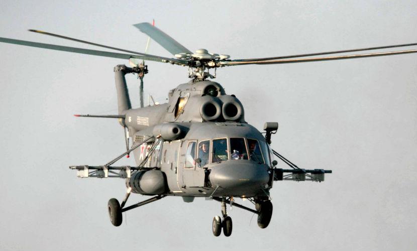 Вертолет с 25 людьми на борту упал в Сибири