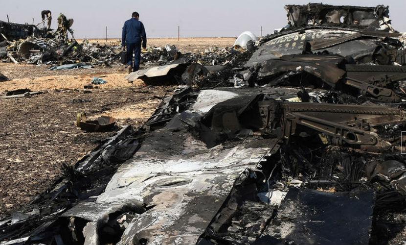 12 крупных частей фюзеляжа и вещи пассажиров найдены на месте крушения Airbus A321