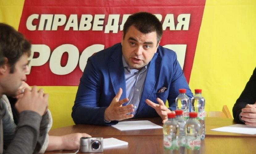 Смоленские власти шантажируют население собирать подписи против депутата Госдумы