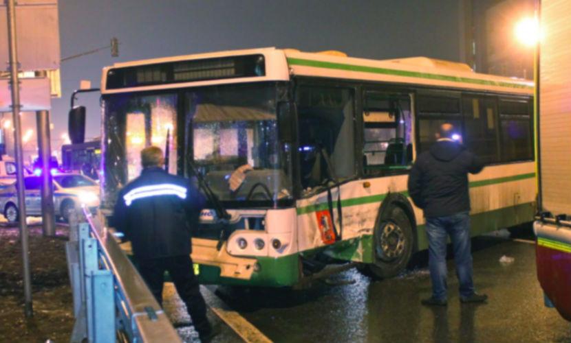 Шестилетняя девочка попала в реанимацию после ДТП с автобусом в Москве