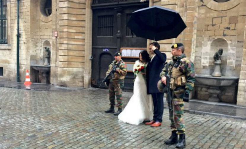 Отчаянная пара из Бельгии сыграла свадьбу во время рейда по поимке террористов