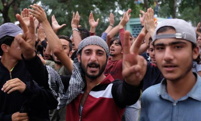 Более половины штатов США отказались принимать беженцев после парижских терактов