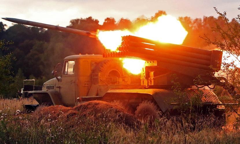 Боевики нацбатальонов обстреляли центр Донецка из «Градов»