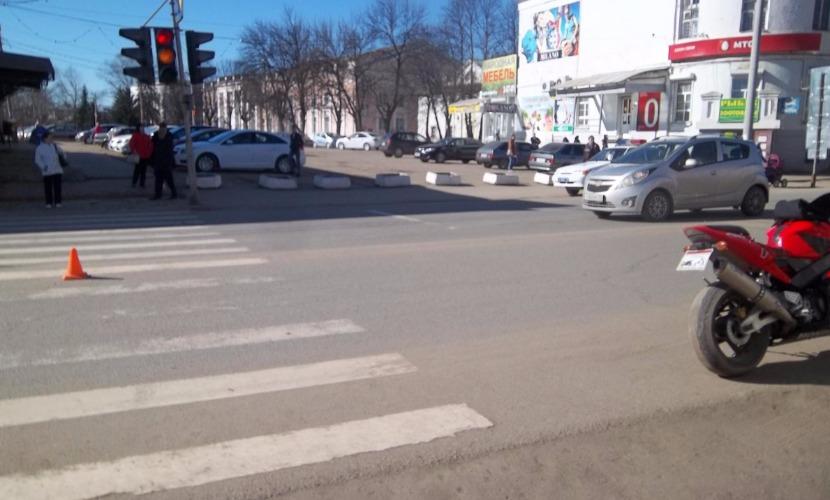 Сотрудник ГИБДД сбил женщину на пешеходном переходе в Москве