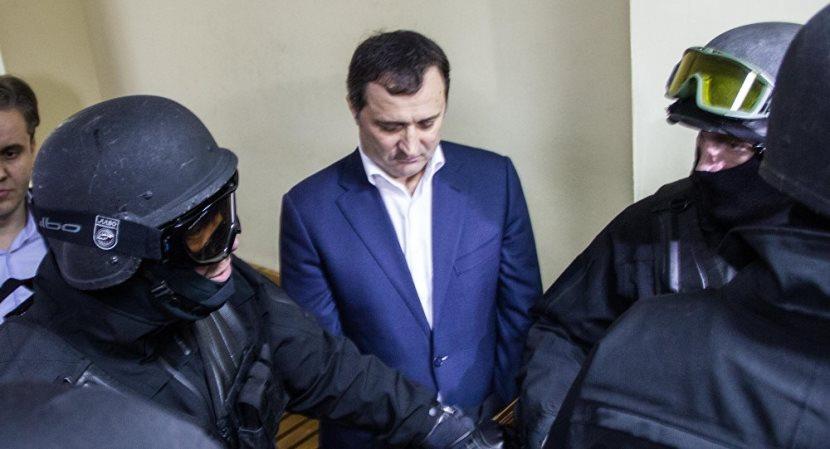 Арестованный экс-премьер Молдавии после угроз зэков объявил голодовку