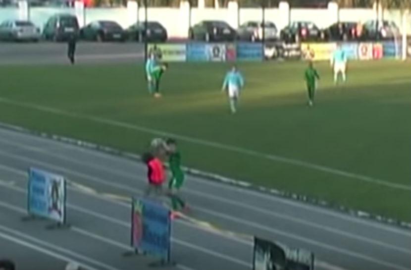 Молдавский футболист дисквалифицирован за избиение подающего мячи мальчика