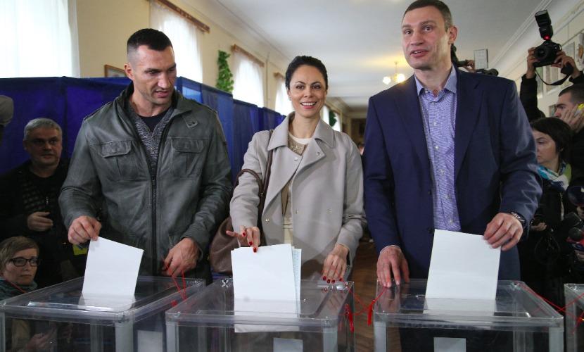 Кличко в борьбе за кресло мэра Киева опередил Березу