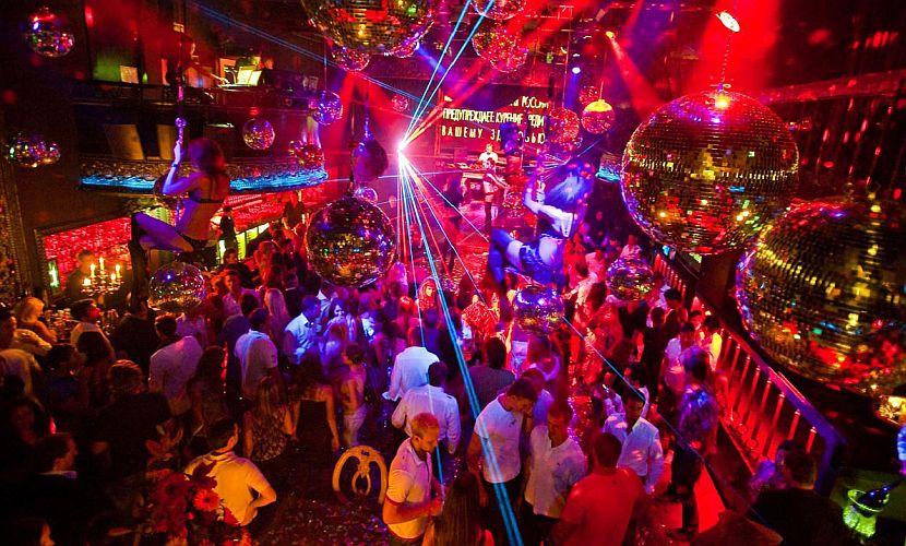 Драка у ночного клуба в Москве завершилась смертью молодого человека