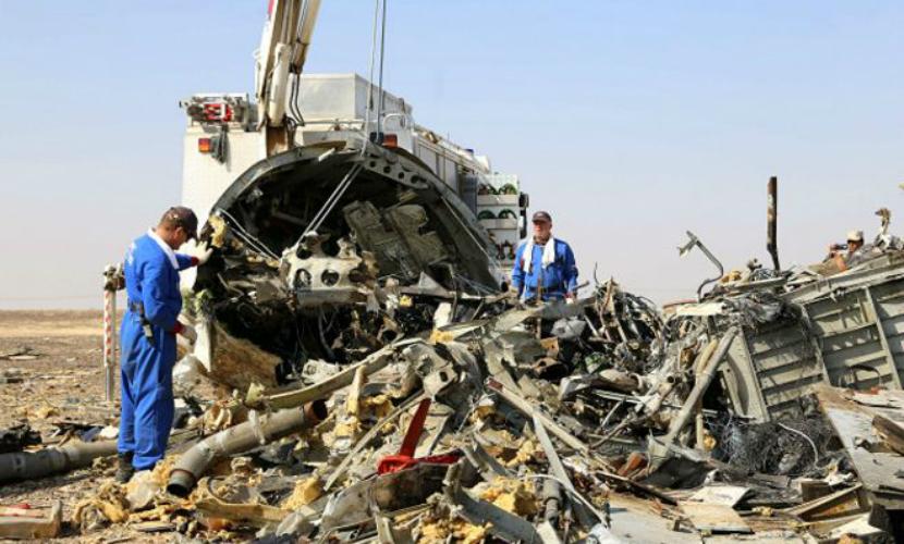 Эксперты ФСБ считают, что бомба на борту А321 находилась под одним из пассажирских кресел
