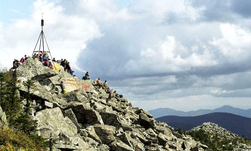 Две молодые туристки потерялись на Ливадийской горе в Приморье