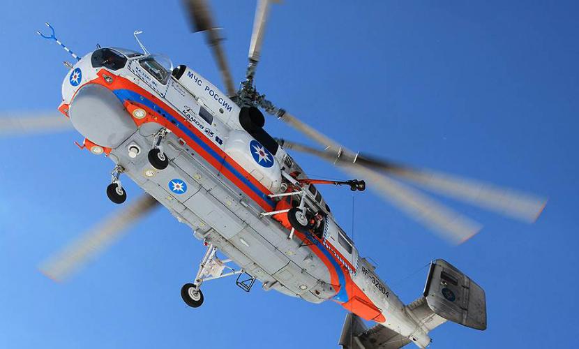 Вертолет МЧС спас двух детей, оторвавшихся на льдине под Хабаровском