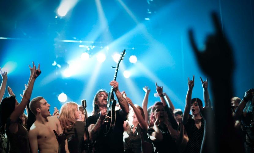 """Песня группы Eagles of Death Metal ворвалась в """"Топ-100″ Великобритании"""