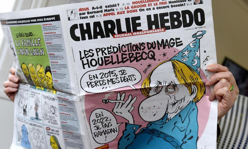 Редакция Charlie Hebdo решила ответить на теракты смешными карикатурами «Наконец-то французское порно!»