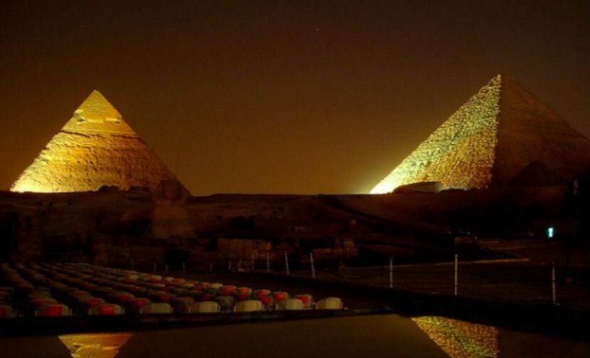 На пирамидах в Египте появятся российский и французский триколоры