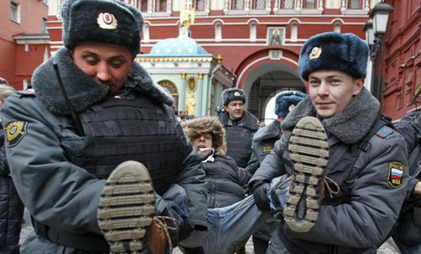 Россияне возмутились незаконными методами работы полиции