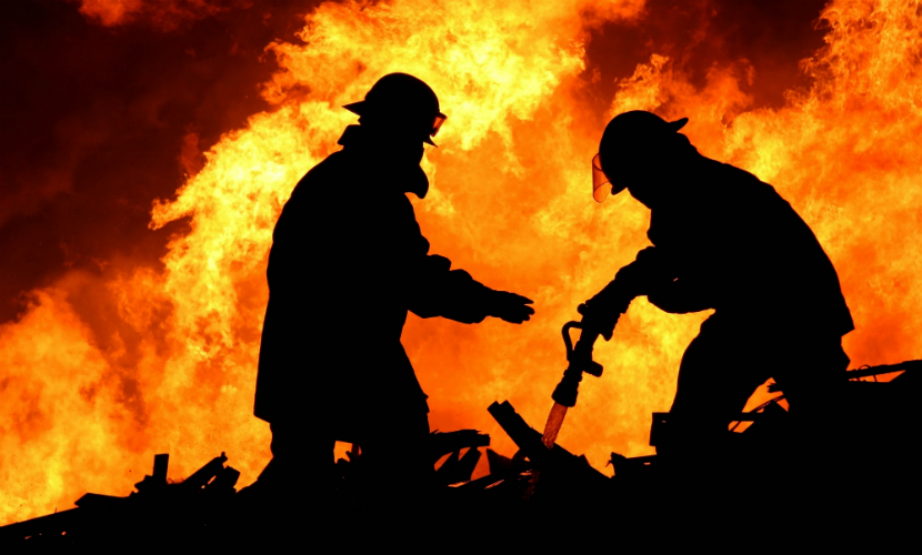 Четверо жителей Вологодской области сгорели в собственном доме