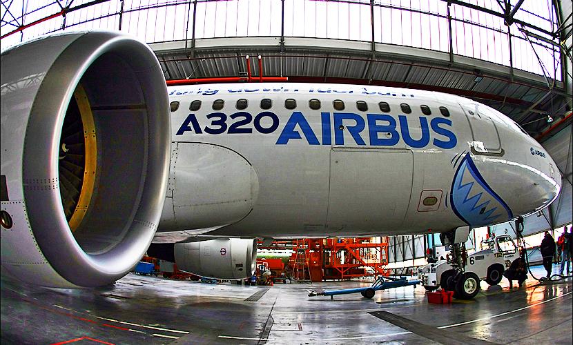 Два аэробуса прилетели в Пулково за пассажирами аварийно севшего Boeing
