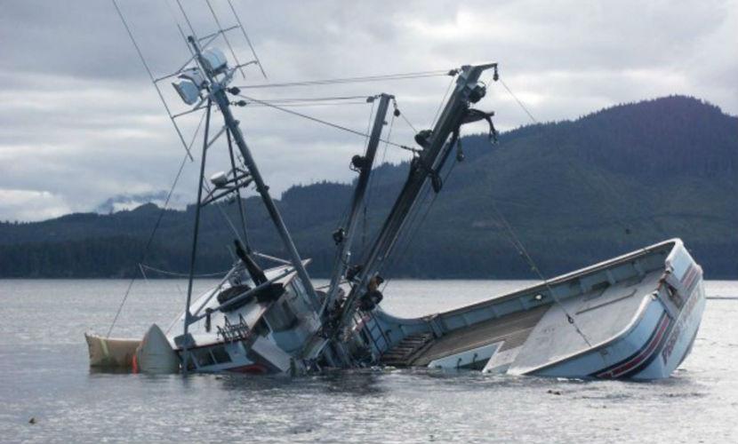 Таинственное судно с телами трех погибших найдено у берегов Японии