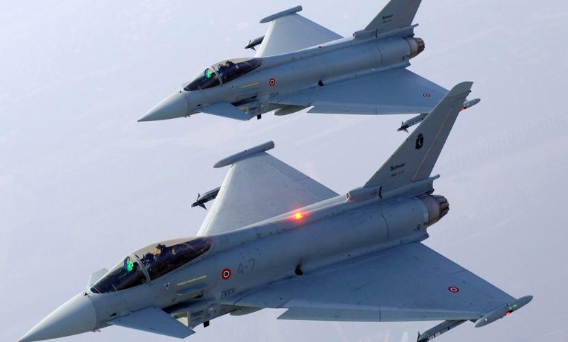 Российские Ту-160 вынудили британские ВВС поднять в воздух истребители