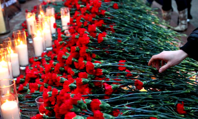 Россия погрузилась в траур по погибшим при крушении Airbus A321 в Египте