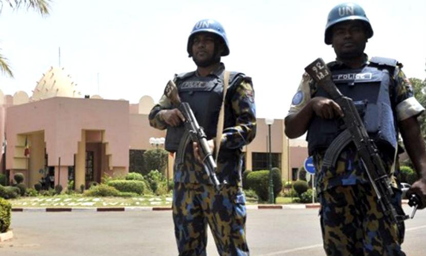 В захваченном отеле в Африке убито пятеро и ранены десятки заложников