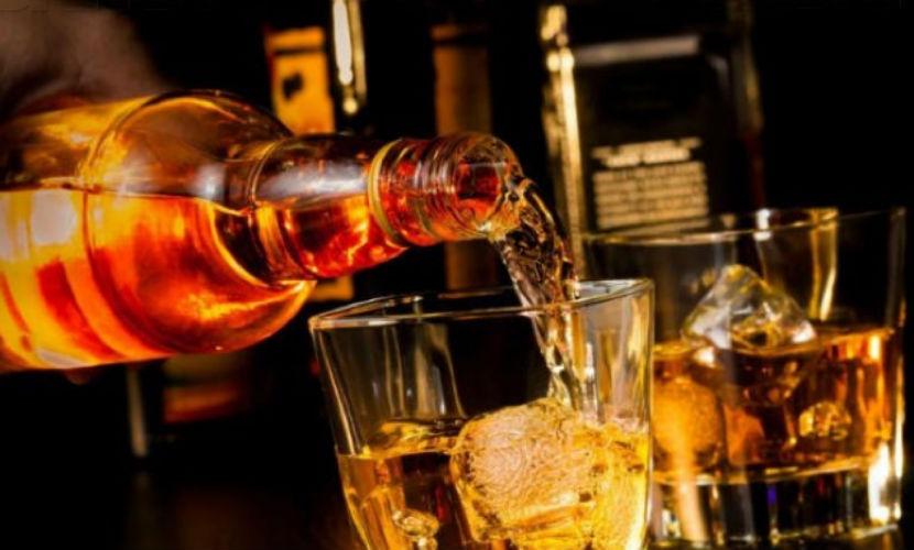 Восьмой житель Красноярска умер от отравления поддельным виски
