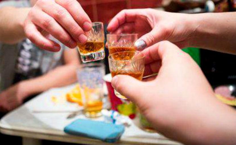 18-летняя девушка насмерть отравилась суррогатным виски в Орске