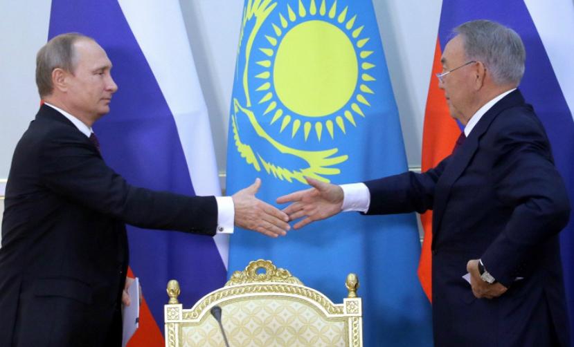 Путин рассказал, как России и Казахстану удалось «избежать сильного удара»