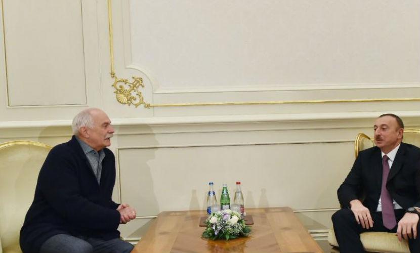 Михалков в Баку ищет деньги у азербайджанских олигархов на новый фильм о Грибоедове