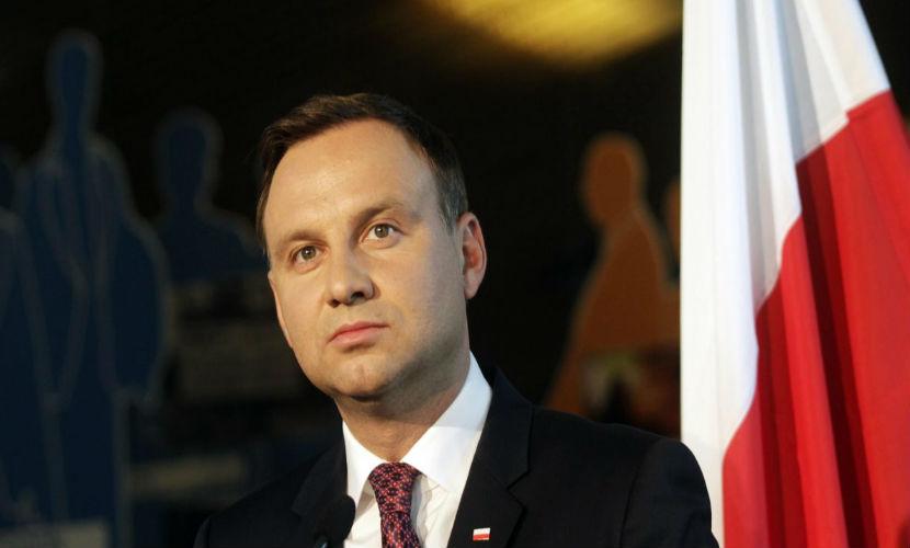 Президент Польши обиделся на Меркель из-за поддержки