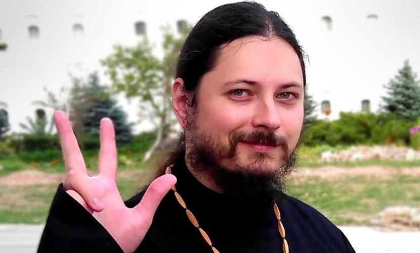 Победителя «опасного» шоу «Голос» иеромонаха Фотия поздравил патриарх Кирилл