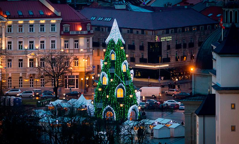 Главная ель страны в Вильнюсе (Литва)