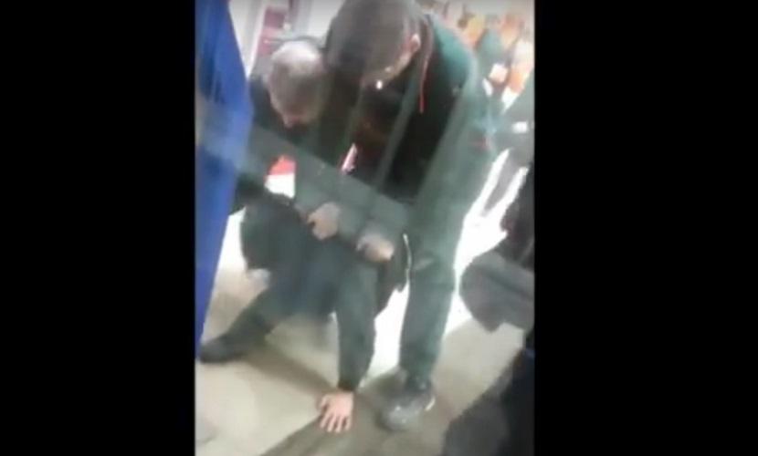 Избиение в Воронеже покупателя охранниками ЧОПа попало на видео