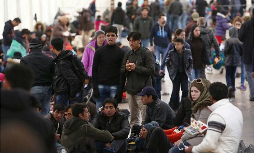 Мигранты бегут из Европы из-за плохих условий