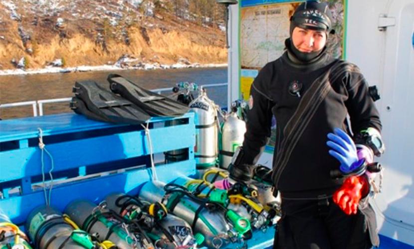 Иркутянка побила собственного мужа, установив рекорд погружения в ледяной Байкал