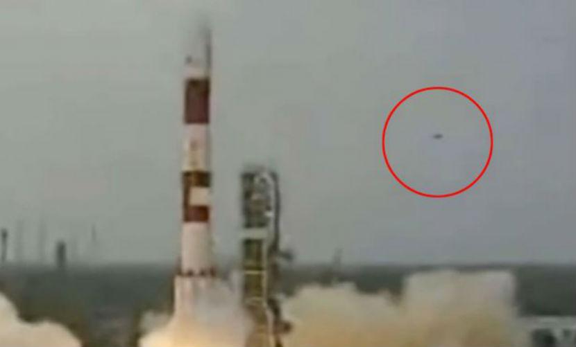 Уфологи разглядели НЛО при запуске ракеты в Индии