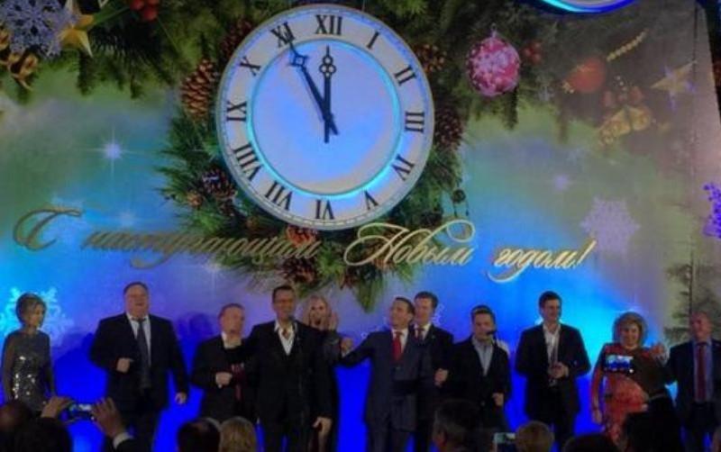 На новогоднем корпоративе в Госдуме казак чуть не порубил шашкой коммунистов