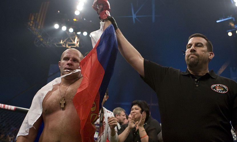 Емельяненко триумфально вернулся на ринг в Японии - во славу России