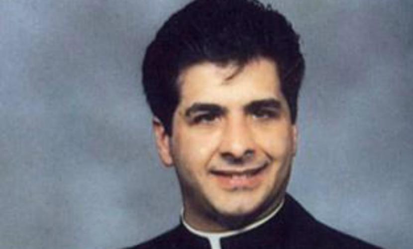Священника поймали на растрате пожертвований на развлечения с геем-садомазохистом
