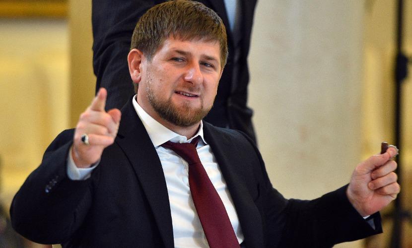 Новый год - это праздник, елка и игрушки, и в Чечне его точно будут отмечать, - Кадыров
