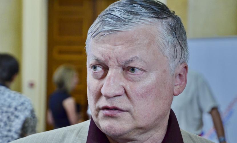 Тюремщик со Ставрополья сыграл вничью с гроссмейстером Карповым